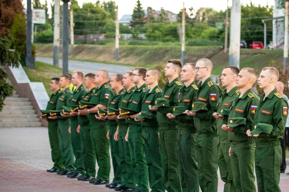 Курсанты Военного учебного центра при ВГУ приняли участие в акции Свеча памяти